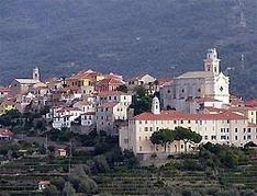 Diano Castello ist ein schöner Ort in Meeresnähe. Bis zum Strand im Golfo Dianes sind es etwa zwei Kilometer.
